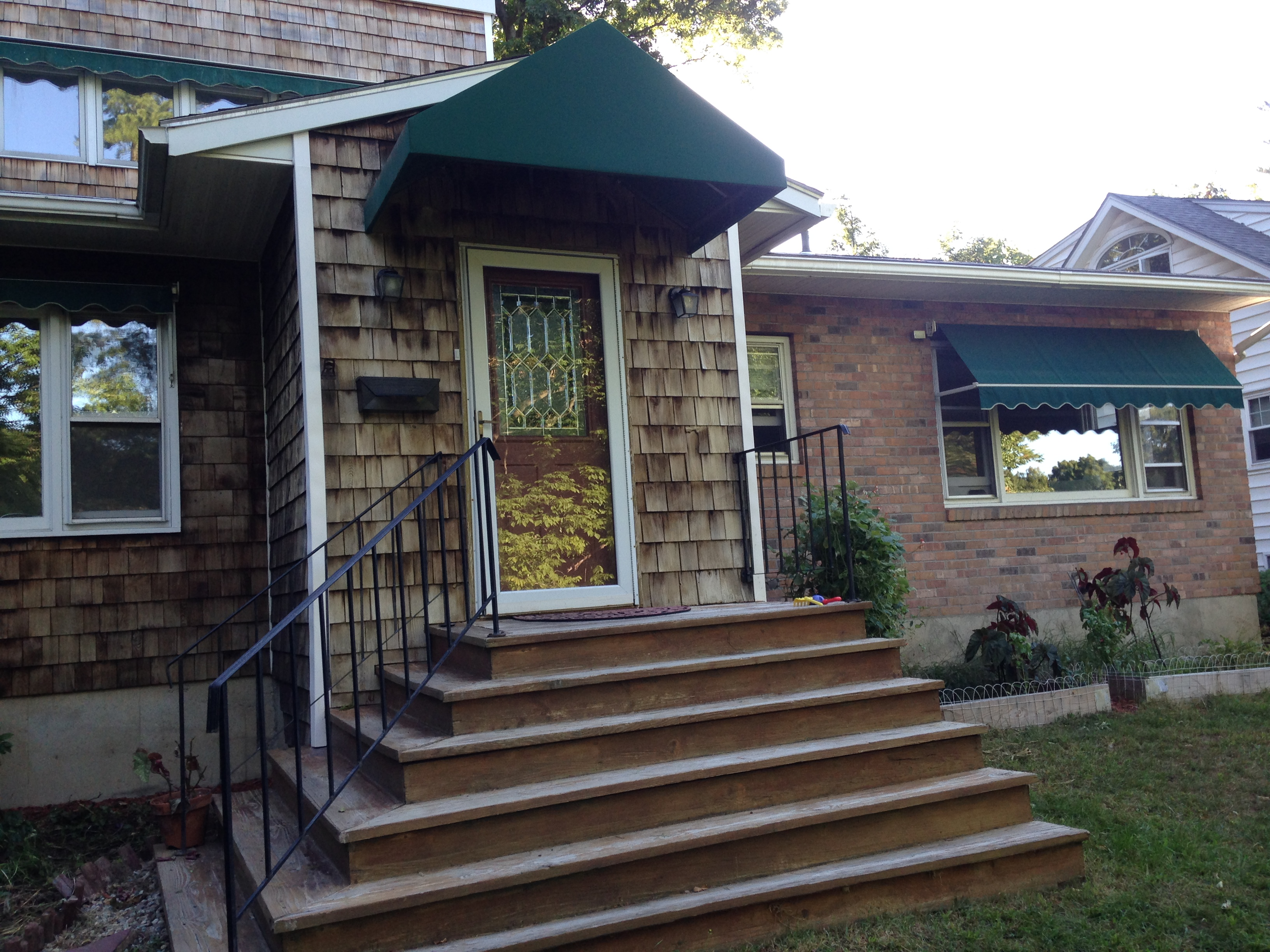 15 Before Front Steps To House Distinctive Landscaping