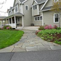 Irregular flagstone walkways